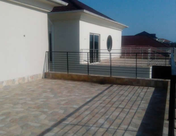 Tastefully Finished 2unit 6 BRM Fully Detached Houses with 2 Rooms BQ