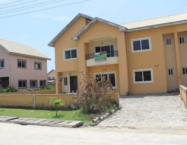 Nicely Finished Semi-Detached Duplex to let with a room Boy's Quarter